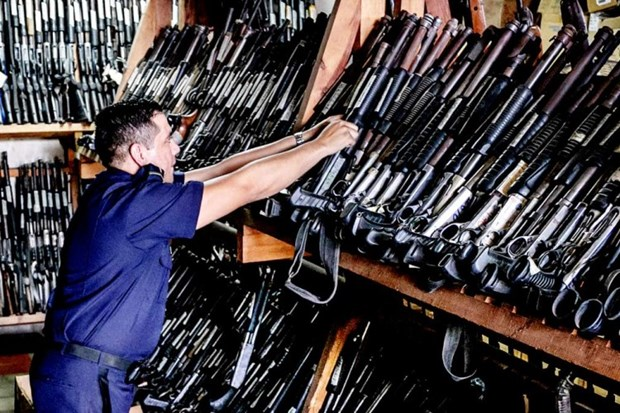 Honduras: Hon 700 khau sung AK 47 bi danh cap ngay trong kho hinh anh 1