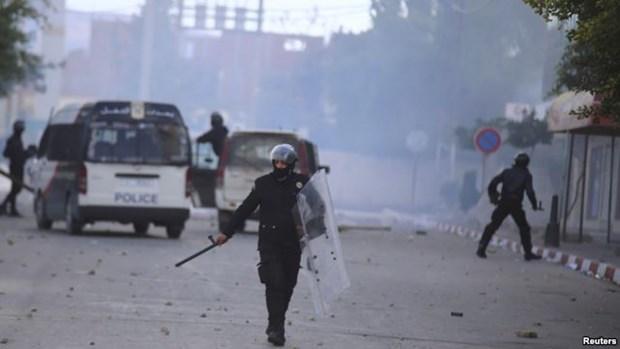 Tunisia: Hang nghin nguoi tiep tuc bieu tinh lon doi viec lam hinh anh 1