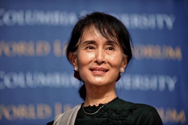 [Video] Ba Aung San Suu Kyi lam Co van nha nuoc Myanmar hinh anh 1
