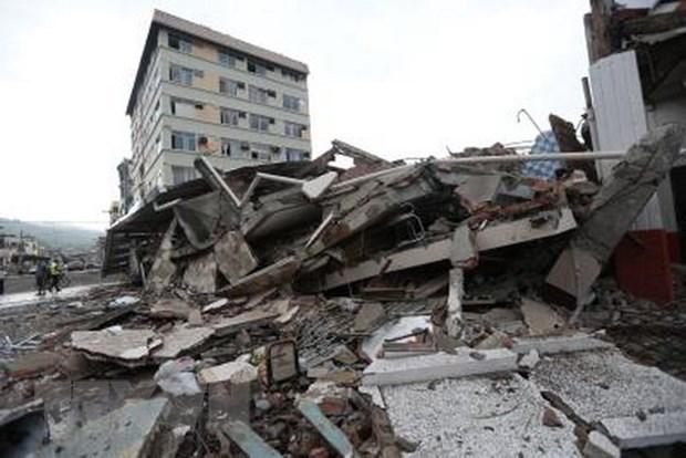 Ecuador lai hung chiu tran dong dat kinh hoang 7,2 do Richter hinh anh 1