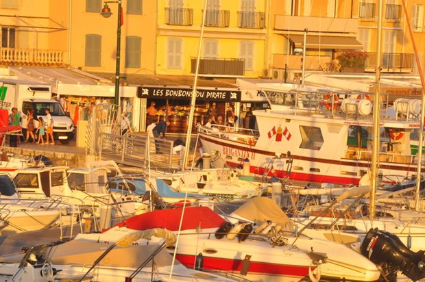 Va Thuong de da tao ra Saint Tropez... noi EURO khong ton tai hinh anh 2