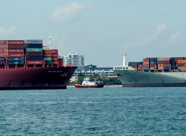 Singapore ha muc du bao tang truong kinh te nam 2017 xuong 1,8% hinh anh 1
