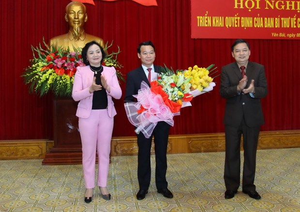 Xay dung Dang: Sua doi quy trinh, quy dinh siet chat cong tac can bo hinh anh 1