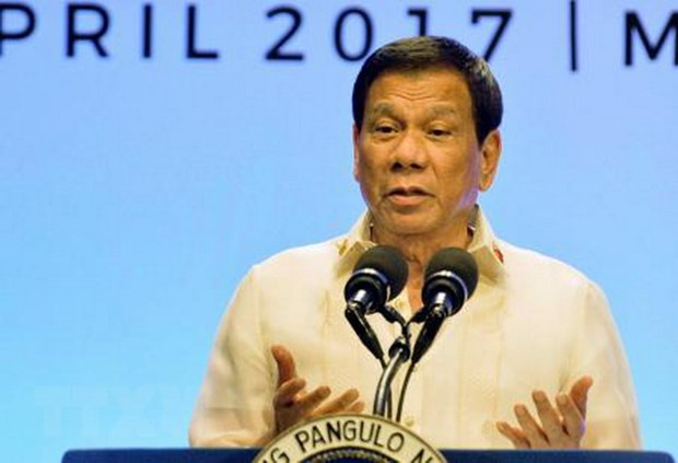 Tong thong Philippines Rodrigo Duterte tham tau chien Trung Quoc hinh anh 1