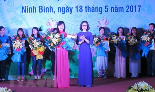 Thanh nien, thieu nhi ca nuoc soi noi ky niem 127 nam sinh nhat Bac hinh anh 2