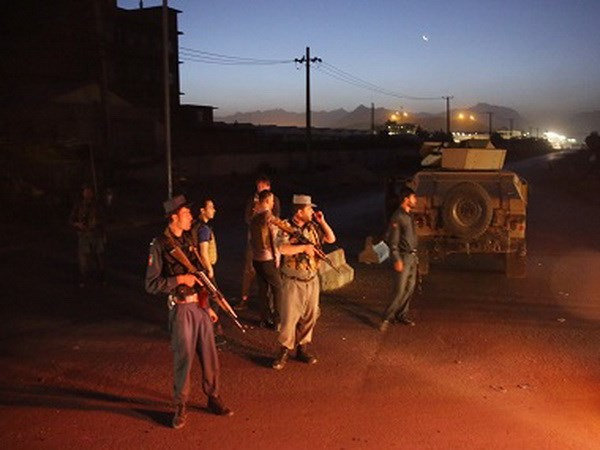 Afghanistan: Danh bom lieu chet gan san van dong o thu do Kabul hinh anh 1