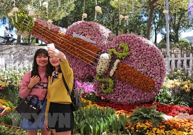 Lan dau tien to chuc Tuan Van hoa tra Lam Dong o Festival Hoa Da Lat hinh anh 1