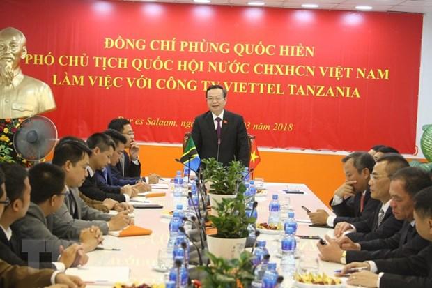 Pho Chu tich Quoc hoi Phung Quoc Hien tham va lam viec tai Tanzania hinh anh 1