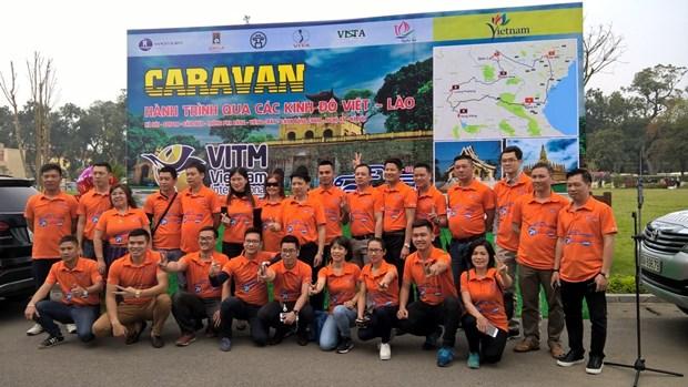 Thuc day du lich Viet-Lao bang tour caravan cac diem den noi tieng hinh anh 1