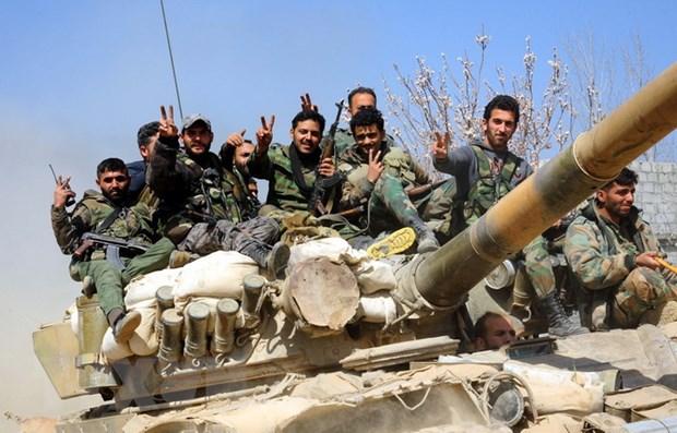 SOHR: Quan chinh phu Syria khong kich du doi vao Douma hinh anh 1