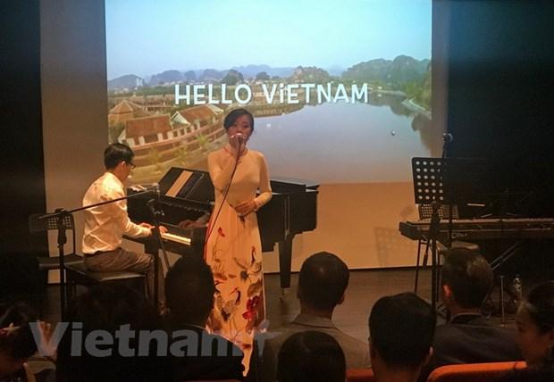 Quy Dong hanh Singapore tang 45 suat hoc bong cho sinh vien kho khan hinh anh 1