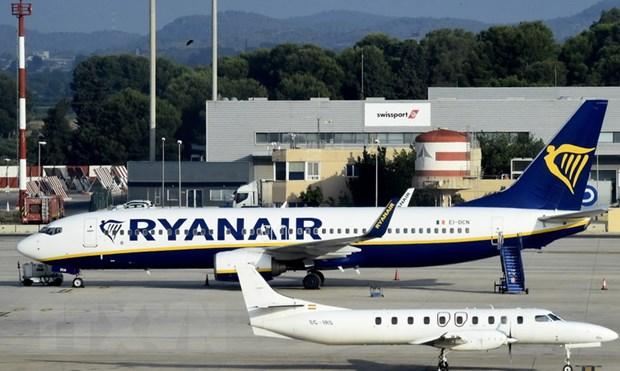 Dinh cong anh huong toi 55.000 hanh khach cua hang khong Ryanair hinh anh 1