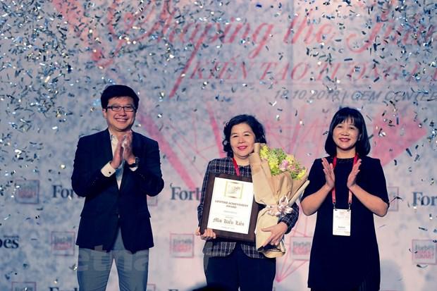 Nguoi phu nu duoc Forbes Viet Nam vinh danh 'Thanh tuu tron doi hinh anh 1