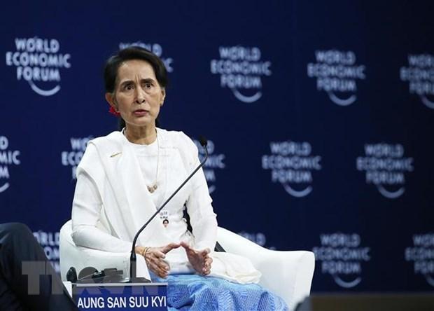 Ba Aung San Suu Kyi bi tuoc danh hieu
