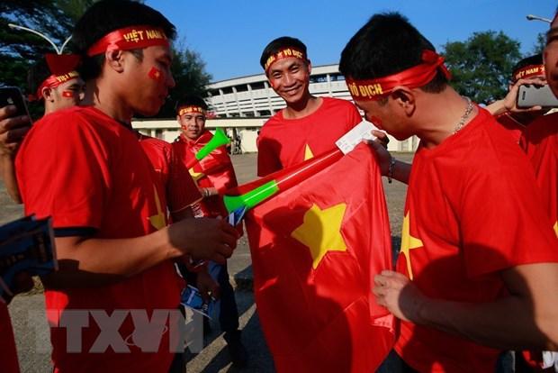 Co dong vien Viet Nam tiep lua cho tran quyet dau voi Myanmar hinh anh 3