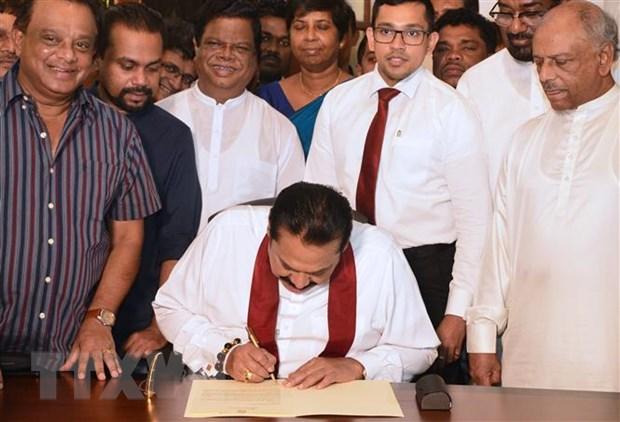 Thu tuong Sri Lanka Mahinda Rajapakse chinh thuc ky don tu chuc hinh anh 1