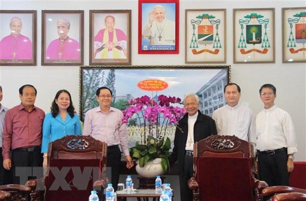 Tham, chuc mung Giang sinh tai Toa Giam muc Long Xuyen hinh anh 2