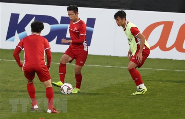 Asian Cup 2019: Co dong vien luon sat canh va ky vong o tuyen Viet Nam hinh anh 1