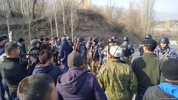 Dung do o bien gioi Kyrgyzstan-Tajikistan, nhieu nguoi thuong vong hinh anh 1