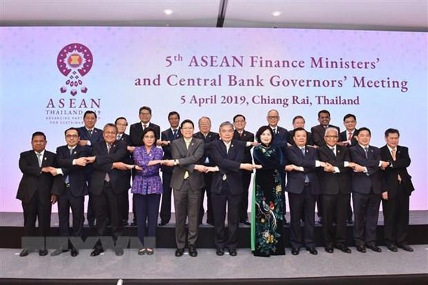 ASEAN day manh ho tro tang truong kinh te va on dinh tai chinh hinh anh 1