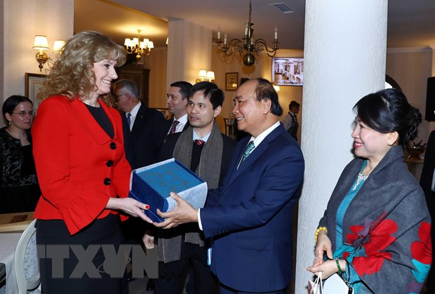 Thu tuong Nguyen Xuan Phuc tham tinh Prahova cua Romania hinh anh 1