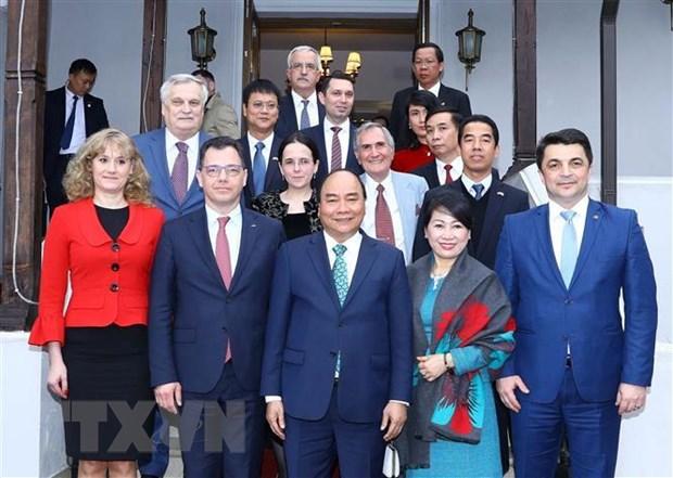 Thu tuong Nguyen Xuan Phuc tham tinh Prahova cua Romania hinh anh 2