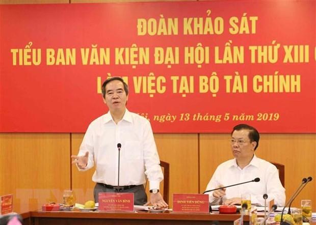 Doan Tieu ban Van kien lam viec voi Ban can su dang Bo Tai chinh hinh anh 1