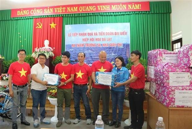 Tang dac san Da Lat cho chien sy Truong Sa va Nha gian DK1 hinh anh 2