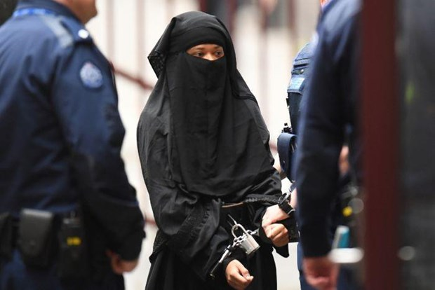 Australia: Nu sinh Bangladesh tan cong khung bo gia dinh chu nha hinh anh 1