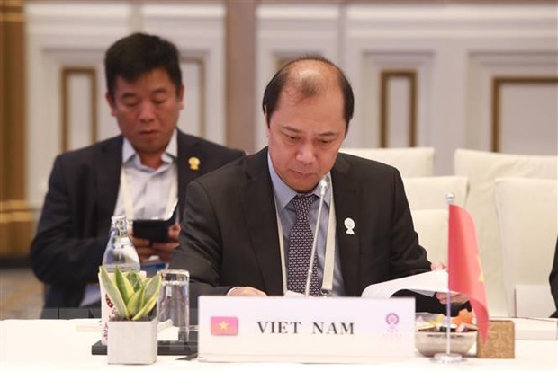 Viet Nam tham du hoi nghi cac quan chuc cao cap ASEAN tai Thai Lan hinh anh 1