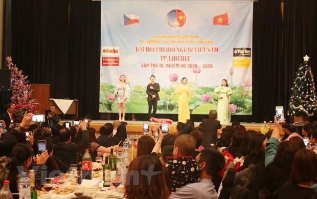 Cong dong nguoi Viet tai Sec chao don Nam moi 2020 am tinh doan ket hinh anh 1