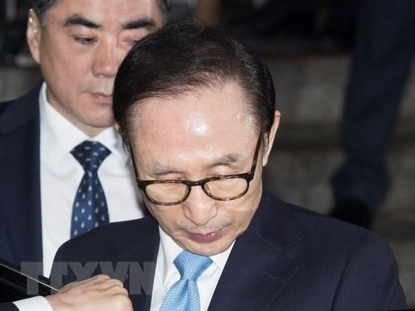Cuu Tong thong Han Quoc Lee Myung-bak nhan an 17 nam tu giam hinh anh 1
