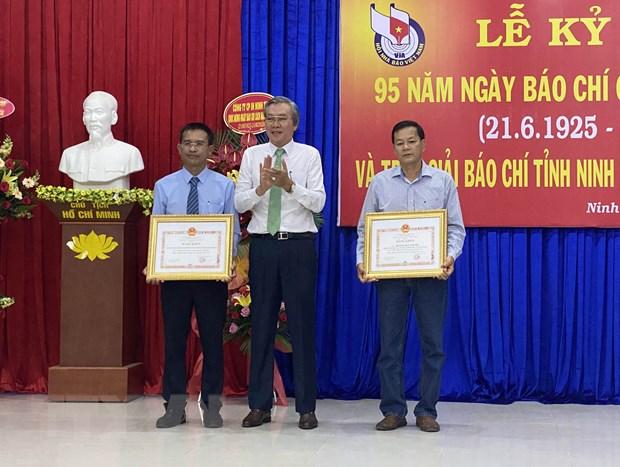 Ninh Thuan trao giai bao chi tinh lan thu XIII nam 2019 hinh anh 1