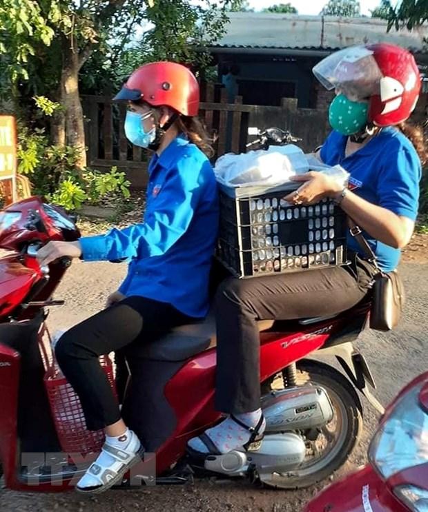 Nguoi Quang Tri chung tay ho tro cac khu dan cu bi phong toa hinh anh 1