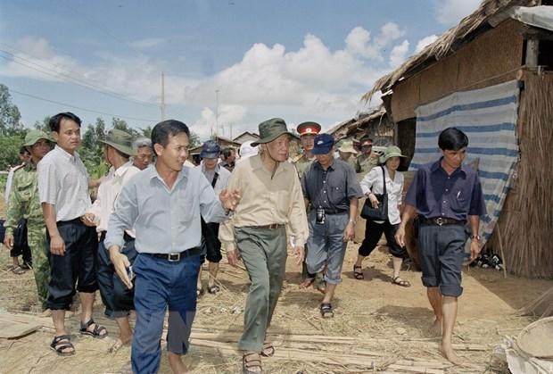 Tong Bi thu Le Kha Phieu - nguoi lanh dao vi dan hinh anh 2