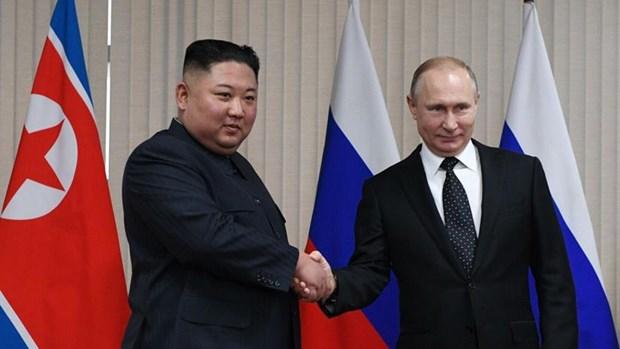 Nga-Trieu trao doi dien mung nhan ngay giai phong Ban dao Trieu Tien hinh anh 1