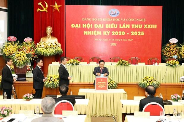 Thu truong Le Xuan Dinh lam Bi thu Dang uy Bo Khoa hoc va Cong nghe hinh anh 1