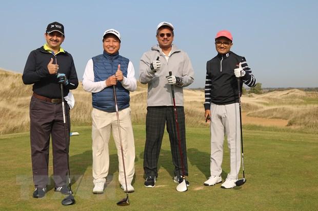 Giai golf ky niem 70 nam quan he ngoai giao Viet Nam-Lien bang Nga hinh anh 1