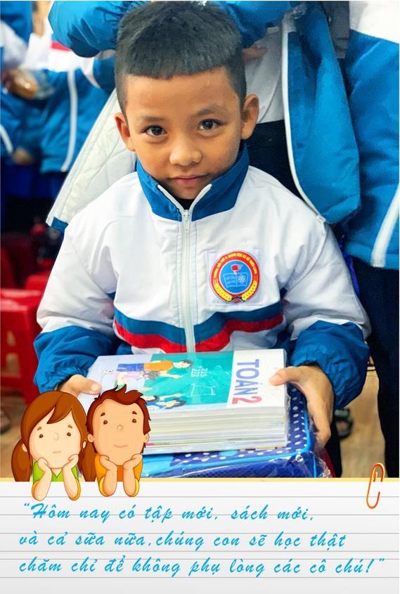 'Co gai Ha Lan' chung tay chia se cung hoc tro vung lu Quang Tri hinh anh 7