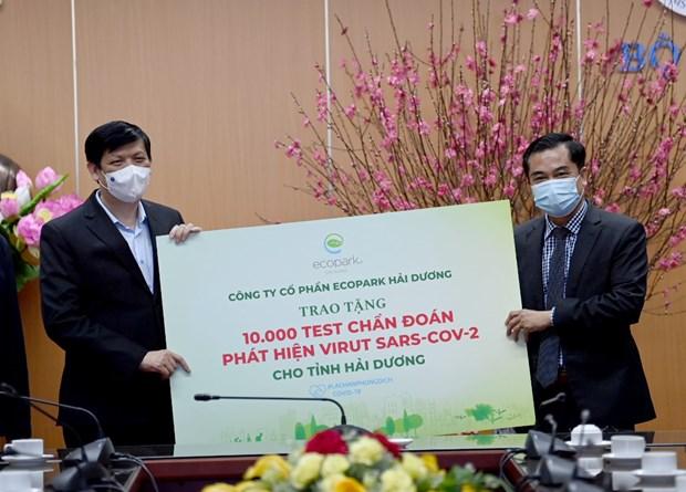Ecopark ung ho 13 ty dong cho cong tac phong chong dich COVID-19 hinh anh 1