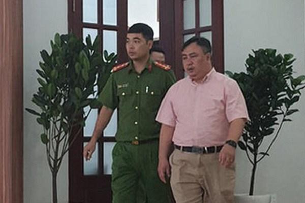 Bat tam giam Giam doc Benh vien Mat TP.HCM Nguyen Minh Khai hinh anh 1