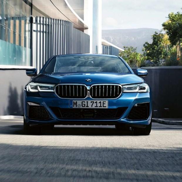 BMW 5 Series moi chinh thuc ra mat tai Viet Nam: Thay doi de dan dau hinh anh 1