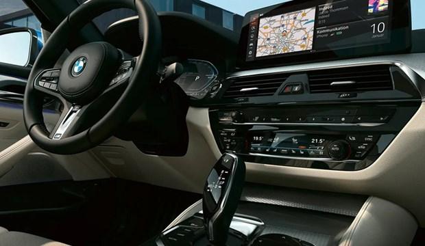 BMW 5 Series moi chinh thuc ra mat tai Viet Nam: Thay doi de dan dau hinh anh 3