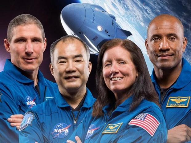 Tau Crew Dragon cua SpaceX dua 4 phi hanh gia tren ISS tro ve Trai Dat hinh anh 1