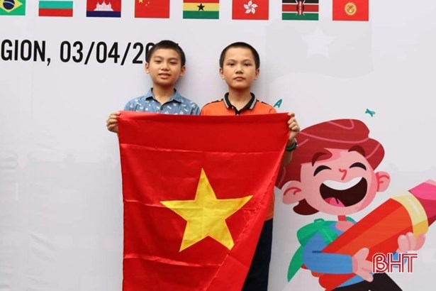 Ha Tinh: 2 cau be lop 6 dat Huy chuong Dong Olympic Toan quoc te TIMO hinh anh 1