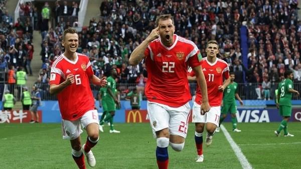 EURO 2020: Nguoi ham mo Nga hoi hop truoc gio cuoc doi dau Nga-Bi hinh anh 1