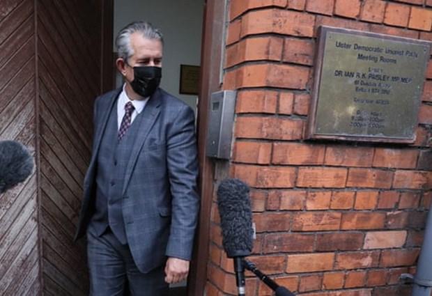 Bac Ireland: Tan lanh dao dang DUP Edwin Poots bat ngo tu chuc hinh anh 1