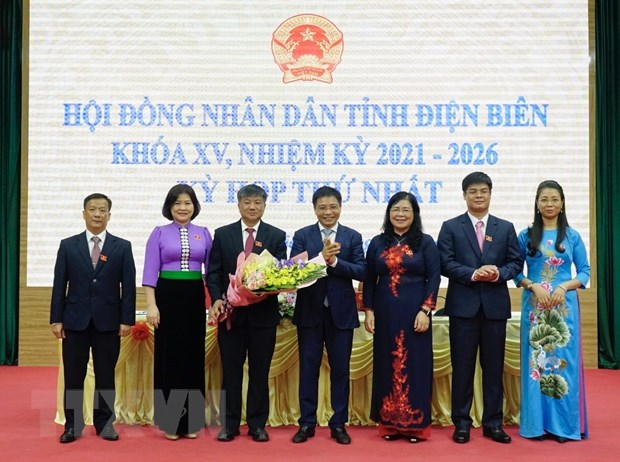 Ong Lo Van Phuong duoc bau lam Chu tich HDND tinh Dien Bien hinh anh 2