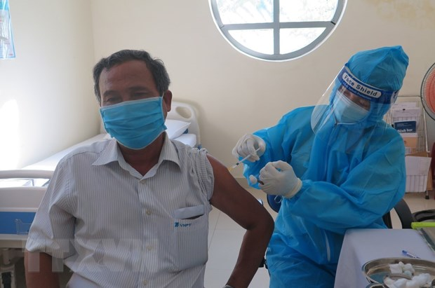 Dong Nai: Huy dong y te tu nhan de day nhanh tien do tiem vaccine hinh anh 1