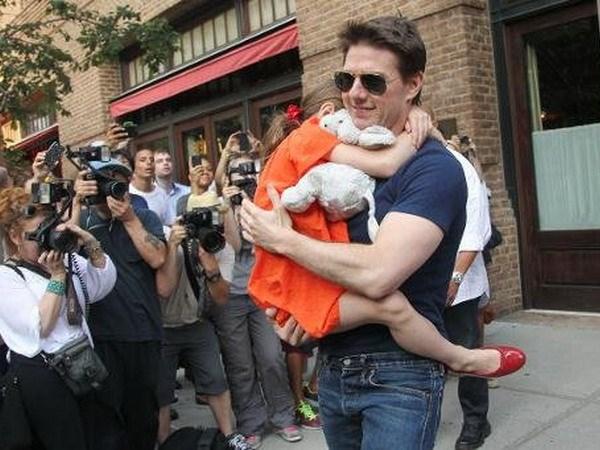 Ngoi sao Tom Cruise phu nhan tin bo roi con gai Suri hinh anh 1